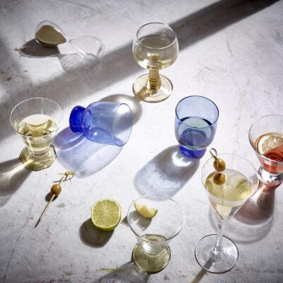 HK Swirl wine glass green